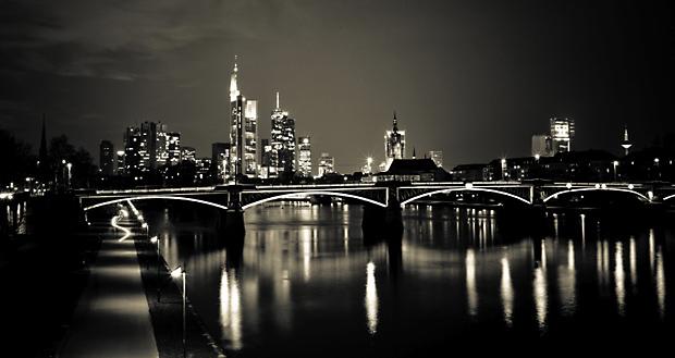 Frankfurt Skyline Mainhatten Main Commerzbank