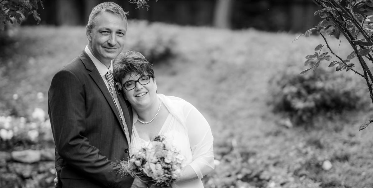 Wenn zwei Feuerwehr-Fans im kleinen Kreis im Hessenpark heiraten